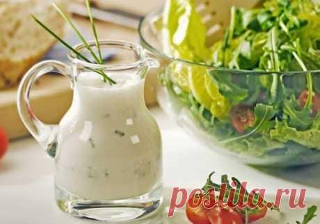 Холодный соус с горчицей или хреном. Соус из старой русской монастырской кухни, который подавали к блюдам из баранины, свинины и говядины.
