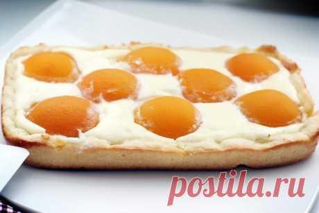 """Творожный пирог с персиками """"Яичница"""""""