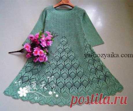 Платье крючком с узором из листьев. Схемы вязаных платьев крючком