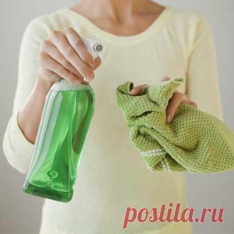 8 домашних чистящих средств, которые можно сделать самостоятельно Закончилось любимое средство для уборки или стирки? Не спешите бежать в магазин: многое можно сделать самостоятельно — получится не только эффективно, но и более натурально!      ДОМАШНЕЕ СРЕДСТВО ДЛЯ…