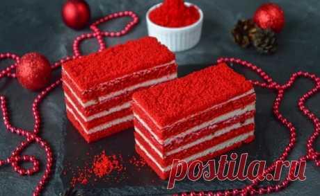 Пирожное «Малиновый бархат» — очень вкусное и красивое.