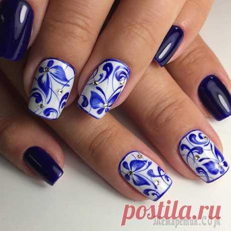 Beautiful blue manicure — Original ideas of design of nails