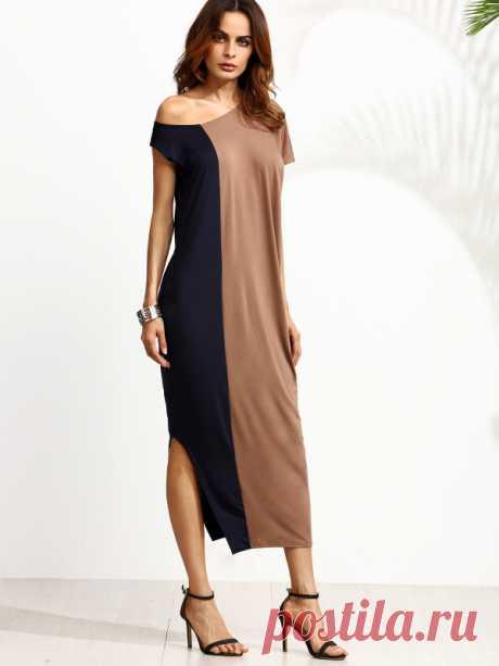 Контрастное модное платье на одно плечо с разрезом