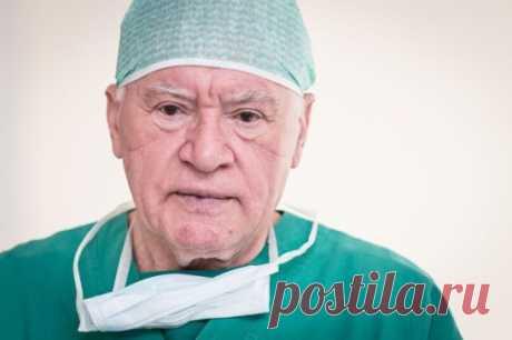 ЗАВТРАК ОТДАЙ ВРАГУ Лео Бокерия — знаменитый врач-кардиолог, профессор, главный кардиохирург Минздрава РФ, специалист, к которому многие мечтают попасть на прием. Заботясь о пациентах, он изучал человеческий организм всесторонне и пришел к выводам, которые поразили современных диетологов!    Нам твердят, что завтрак — обязательный прием пищи, благодаря которому обмен веществ протекает в организме правильно, и его ни в коем случае нельзя пропускать. Лео Бокерия утверждает, что знает, как быстро