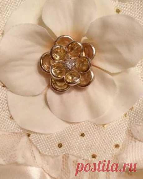 Forever Brooch Bouquets LLC в Instagram: «A single 1950s earring, turned into a handmade flower. I love these colors! 🔸 #Lace #HandmadeFlower #1950searrings #polkadots…» 44 отметок «Нравится», 1 комментариев — Forever Brooch Bouquets LLC (@foreverbroochbouquets) в Instagram: «A single 1950s earring, turned into a handmade flower. I love these colors! 🔸 #Lace #HandmadeFlower…»