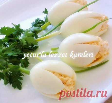 """Los merenderos """"тюльпаны"""" de los huevos rellenados"""
