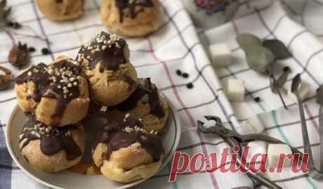 Эклеры с масляным кремом и шоколадной глазурью