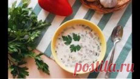 Сегодня #Priprava_Club готовит аппетитнейший сливочный суп с грибами и сыром.  Его прелесть не только в том, что он нереально вкусный, но и в том, что его можно подать и как классический суп, и как крем суп (просто перебейте его блендером) Рецепт супа находится в нашем коротком видео. Также из него вы узнаете перечень ингредиентов и увидите под роликом ссылки на другие не менее интересные рецепты супов.