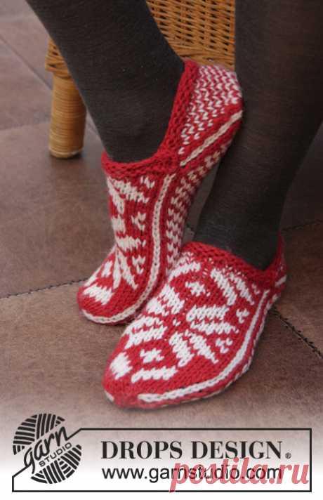 ВЯЖЕМ СПИЦАМИ ТАПОЧКИ И НОСКИ С ЖАККАРДОМ - 4 МОДЕЛИ / Вязание спицами / Вязание для женщин спицами. Схемы вязания спицами