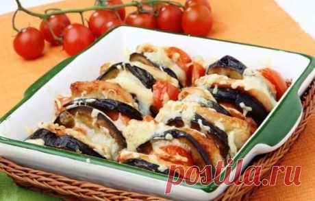 Баклажаны по-турецки         Баклажаны по-турецки запеченные с мясным фаршем в духовке, сногсшибательная вкуснятина. Таким блюдом можно накормить и всю семью и даже неожиданных гостей. Для приготовления возьмем следующие …