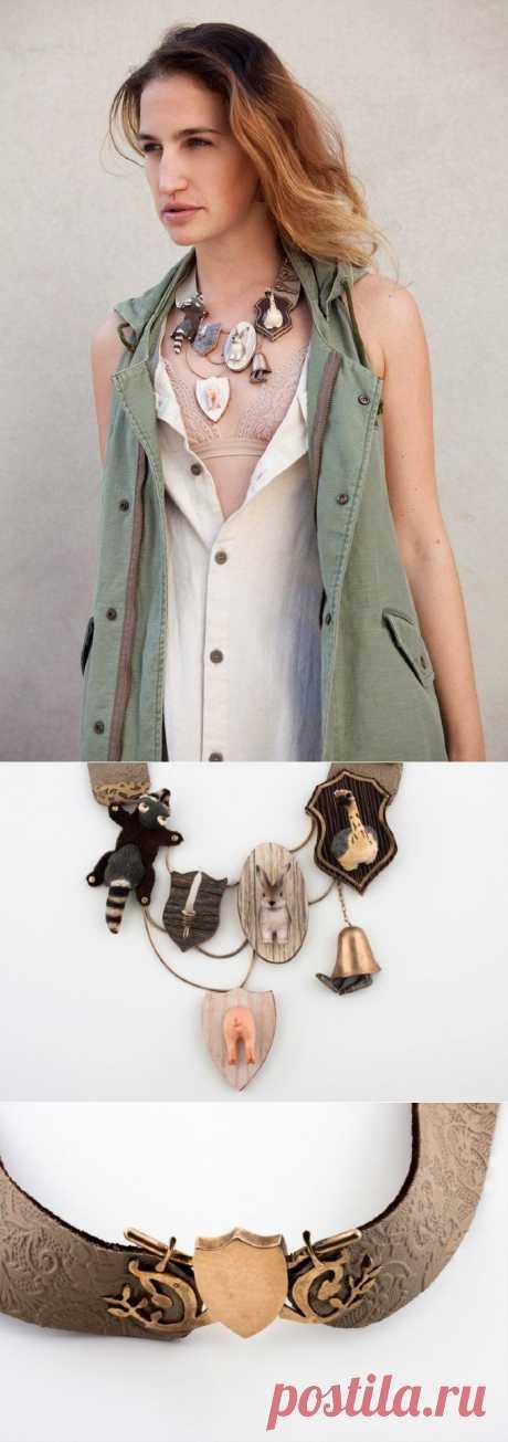 Колье... из игрушек! / Украшения и бижутерия / Модный сайт о стильной переделке одежды и интерьера