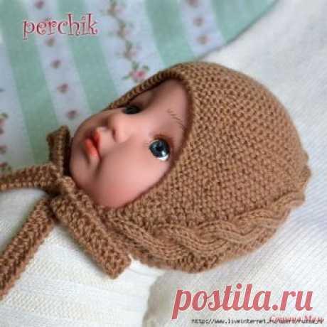 Шапочка спицами с диагональной косой для малыша