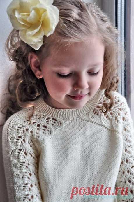 La blusa de estilo para la muchacha. El autor: Svetlana Volkova Vyazanie por los rayos con la descripción la Blusa con las mangas chinés por los rayos la Descripción de la labor de punto del jersey por los rayos …