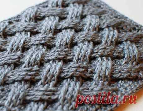 Плетеный узор для вязания крючком  Очень простой для вязания крючком плетеный узор. Отлично подойдет для вязания корзиночек, сумочек, пледов. Но не только.  Каждое «перекрестье» вяжется на 6-и петлях основы (начальной цепочки или пре…