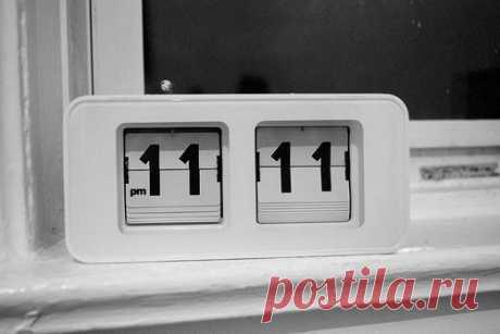 ОБРАТИТЕ ВНИМАЕНИ! ОДИНАКОВЫЕ ЦИФРЫ НА ЧАСАХ - это сигнал вашего ангела.............11-11 , 12-12, 13-13... И ТАК ДАЛЕЕ