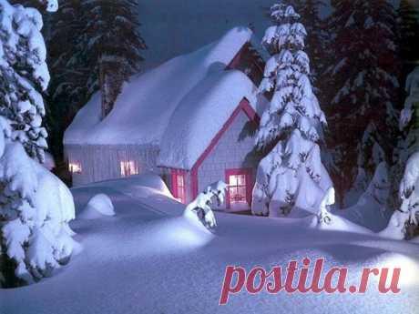 Одинокий зимний домик!