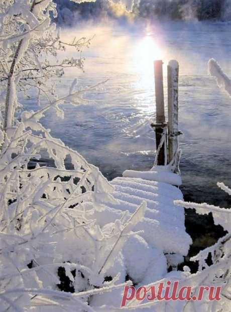 (16) Наш мир - удивительный , и красивый, весёлый и мудрый.