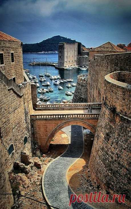 ¡Estas paredes han visto mucho! Dubrovnik, Croacia