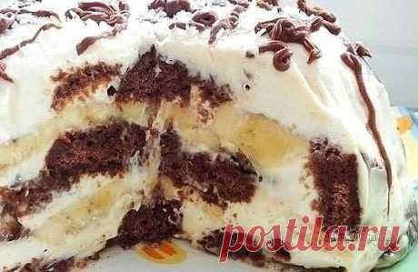 Это просто неописуемо вкусный тортик! Всем советую  Ингредиенты: пряники шоколадные - 600 грамм сметана - 600 грамм (20-30%) сахарная пудра - 100 грамм бананы - 2 штуки грецкие орехи кокосовая стружка шоколад  Приготовление: Для приготовления торта из пряников с бананами необходимо пряники разрезать вдоль пополам, бананы нарезать кружками, сметану смешать с сахарной пудрой, орехи покрошить не очень мелко.  Миску нужно выстелить пищевой плёнкой, чтобы края свисали. Ломтики ...