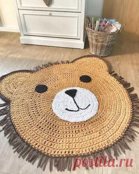 вязаные коврики - отличная идея для детской.