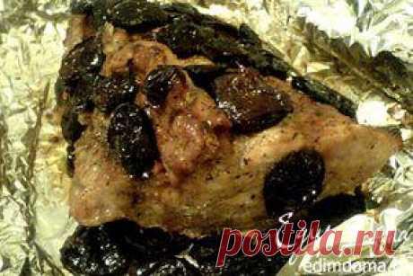 Свинина с черносливом, запечённая в фольге | Кулинарные рецепты от «Едим дома!»