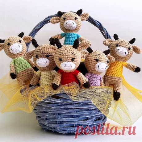 PDF Бычок крючком. FREE crochet pattern; Аmigurumi animal patterns. Амигуруми схемы и описания на русском. Вязаные игрушки и поделки своими руками #amimore - корова, коровка, телёнок, бык, бычок.