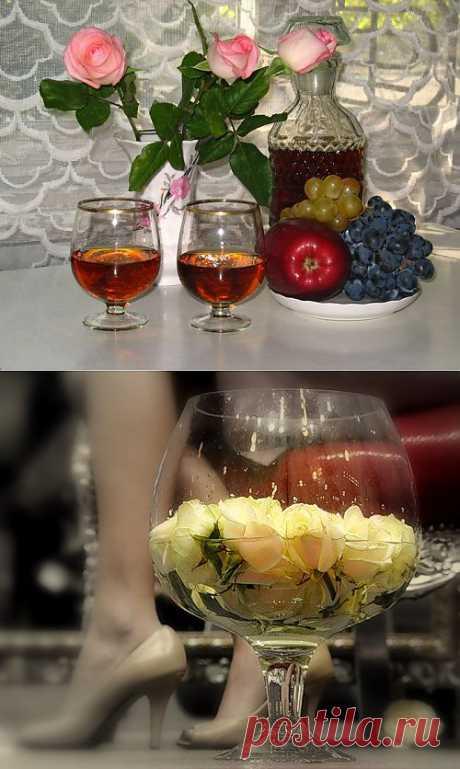 Вино из лепестков роз. Прекрасное десертное, удивительное вино, обладающее нежным ароматом чайной розы и, может быть, в нём улавливается лёгкий мускатный тон.