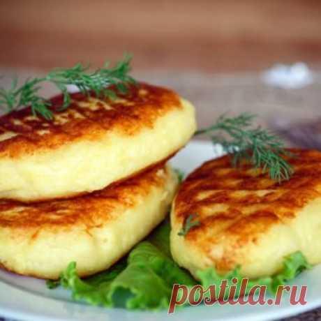 Картофельные зразы с луковой начинкой за 20 минут | На скорую руку | Яндекс Дзен