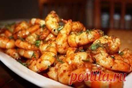10 рецептов с креветками  1. Запеченные креветки  Ингредиенты на 4 порции: Показать полностью…