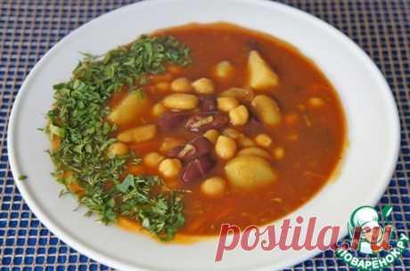 Суп из банки – Фасоль консервированная (красная, 400 г) — 1 бан. Фасоль (белая консервированная, 400 г) — 1 бан. Нут (консервированный, 400 г) — 1 бан. Томаты протертые — 400 г Картофель (3-4 шт.) Морковь — 1 шт Лук репчатый (большая) — 1 шт Чеснок — 4 зуб. Масло оливковое — 3 ст. л. Паприка сладкая (молотая) — 1 ст. л. Куркума — 1 ч. л. Зира (семена) — 1 ч. л. Соль — по вкусу Перец черный (свежемолотый) — по вкусу Бульон (овощной или вода) — 2 л Томатная паста — 1 ст. л.