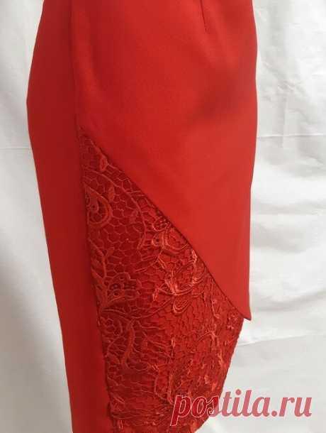 Взяла кружево, атласную ленту, и красный габардин. Покажу, какую я придумала себе интересную модель юбки и быстренько её сшила | модница | Яндекс Дзен