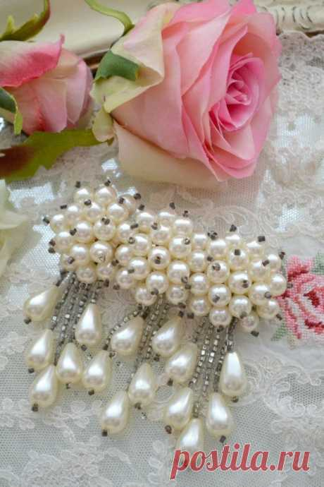 RESERVED FOR DEBORAH - Beautiful Vintage Pearl Hair Barrette