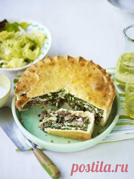 Рецепт пирога с мясом   Рецепт пирога с мясом украсит праздничный стол на Пасху. Пирог с домашним песочным тестом и с бараниной и сыром.  Рецепт из греческой кухни. Пирог с мясом, сыром и с тонкой корочкой из дрожжевого теста.