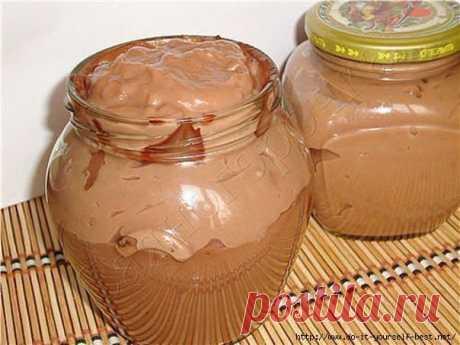 De chocolate vkusnyatina para la cocción y los bocadillos \u000d\u000aTodo de casa serán en el arrebatamiento...\u000d\u000a \u000d\u000a\ud83d\udd39 LOS INGREDIENTES: \ud83d\udd39\u000d\u000a● 1 vaso de leche (250 ml)\u000d\u000a● 3 stol.lozhki el cacao de los polvos\u000d\u000a● 3 stol.lozhki del azúcar\u000d\u000a● 3 stol.lozhki los tormentos\u000d\u000a● 70-80 gramo de la mantequilla\u000d\u000a \u000d\u000a\ud83d\udd39 LA PREPARACIÓN: \ud83d\udd39\u000d\u000a…