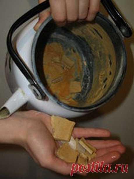 Как можно удалить накипь без вреда для чайника
