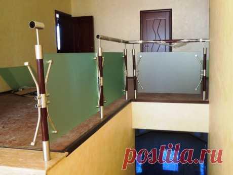 Ограждения с матовым стеклом комбинированные
