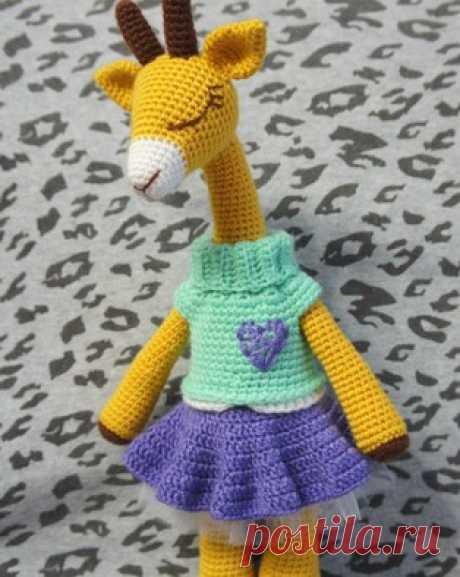 PDF Леди Жирафа. Бесплатный мастер-класс, схема и описание для вязания игрушки амигуруми крючком. Вяжем игрушки своими руками! FREE amigurumi pattern. #амигуруми #amigurumi #схема #описание #мк #pattern #вязание #crochet #knitting #toy #handmade #поделки #pdf #рукоделие #жираф #жирафик #giraffe