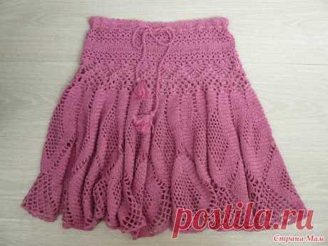 """. Юбка """"Хризантема"""" по мотивам Ванессы Монторо Моя постоянная заказчица заказала мне эту юбку. Вязала по очень хорошему видео Связала еще летом,но она не могла померить,была беременная,а когда родила,юбка оказалась очень широкая."""