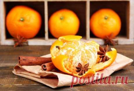 Полезные советы: вторая жизнь апельсиновых корок    Апельсины, мандарины, лаймы и лимоны — всё это употребляется в пищу без корок, а они отправляются в мусорку. Не торопитесь, из ароматных корок можно сделать много полезных вещей, начиная от чистящего средства и заканчивая скрабом для тела. Вот 13 способов использовать корки от цитрусовых.