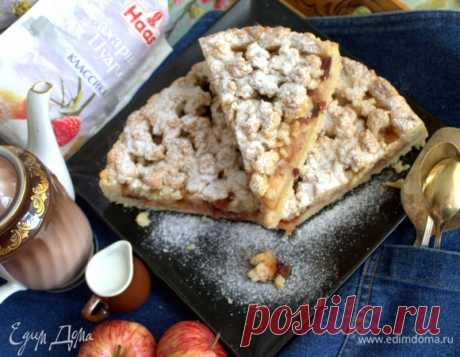 Немецкий яблочный пирог. Ингредиенты: мука, разрыхлитель, сахар