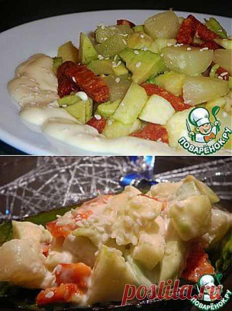 Салат из авокадо с ананасом, яблоками и сырокопченой колбасой - кулинарный рецепт