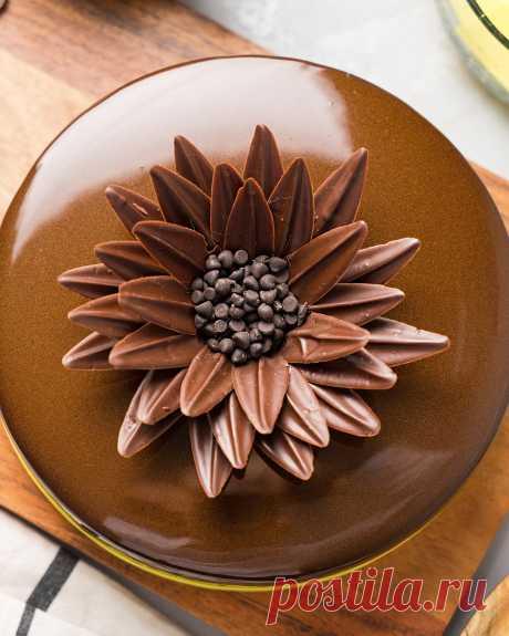 Торт с шоколадом и тропическими фруктами «Тиамо»