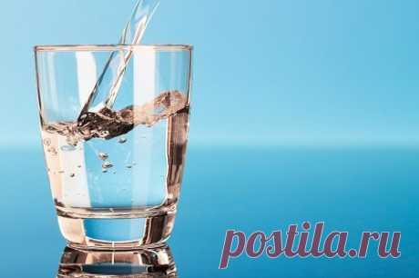 Пить воду на ночь: польза или вред? — СОВЕТНИК