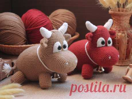 PDF Бычок Бычуня крючком. FREE crochet pattern; Аmigurumi animal patterns. Амигуруми схемы и описания на русском. Вязаные игрушки и поделки своими руками #amimore - бык, маленький бычок, корова, коровка, телёнок.