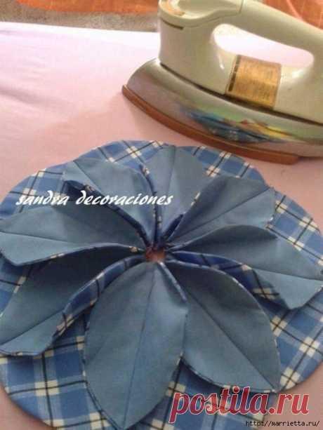 Подушка с цветком в технике лоскутного шитья — Сделай сам, идеи для творчества - DIY Ideas