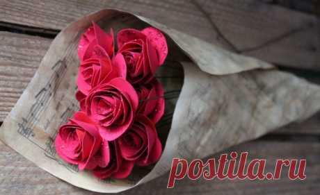 Розы Из Бумаги Своими Руками: Пошаговая Инструкция (+190 Фото) [2019] Розу из бумаги можно сделать своими руками. Для этого вам понадобится бумага, ножницы, клей и наше руководство. И у вас все непременно получится.