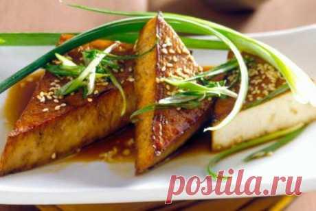 Жареный тофу с кунжутом