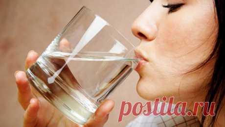 Пейте это натощак в течение недели! Результат вас вдохновит! Этот напиток обладает удивительным эффектом. Он снижает вес! К сожалению, порой кажется просто невозможным сбросить вес. Но теперь вам больше не придется