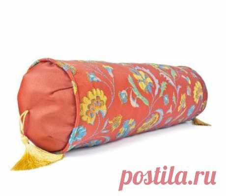 Подушка-валик своими руками – выкройка, схемы, фото