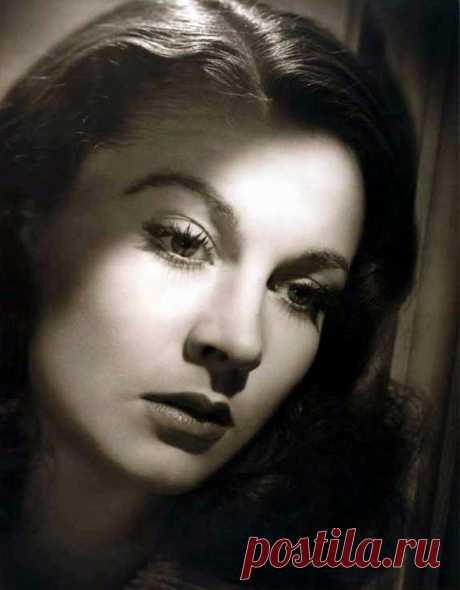 Vivien Leigh by Laszlo Willinger, 1940.